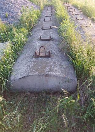 Железо бетонные плиты для козлового крана