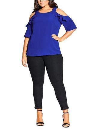Синяя футболка с открытыми плечами