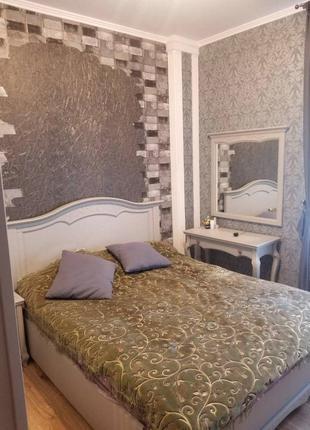 Продам просторную 4-х комнатную квартиру 80 кв.м. на Грушевского