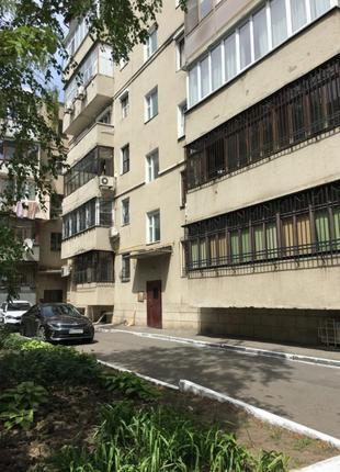 Продам 3  комнатную квартиру в переулке Дунаева