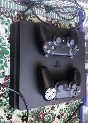 Продам  Sony PlayStation 4 slim.