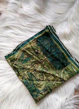 Платок косынка шёлк зеленых оттенков,абстракция