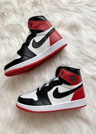 Шикарные женские кроссовки nike air jordan 1 high red black