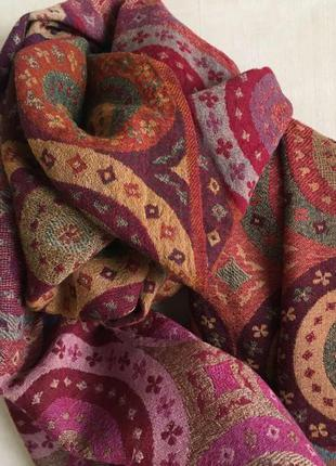 Шикарный яркий шарф