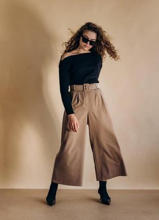 Стильные брюки-кюлоты с высоким поясом