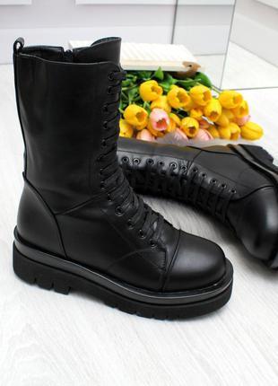 Модные высокие женские зимние ботинки на молнии, декор шнуровк...