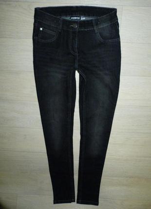 Серо-черные скинни, джинсы pepperts (германия). размер 13-14 лет