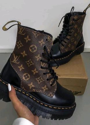 Louis Vuitton x Dr Martens уже в наличии😍