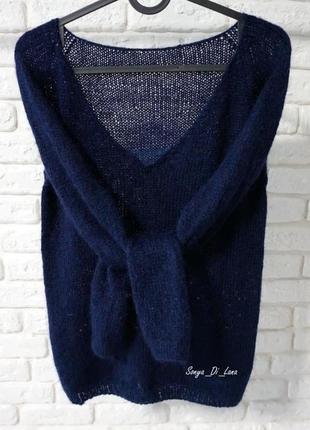 Шикарный свитер с декольте. пряжа люкс