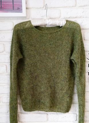 Шикарный свитер из пряжи люкс