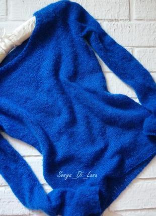 Шикарный свитер из итальянской пряжи.