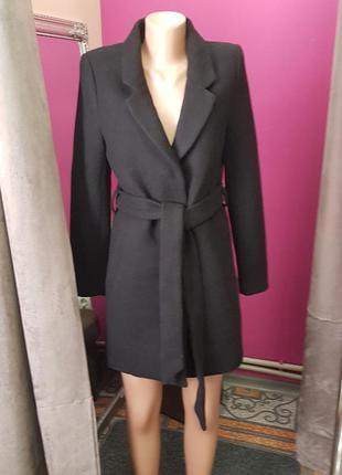 Черное короткое пальто шерсть