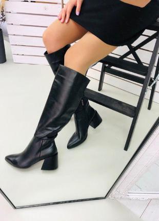Женские сапоги  среднем на каблуке