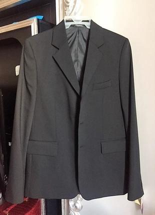 Пиджак школьный на мальчика. рост 160-170см