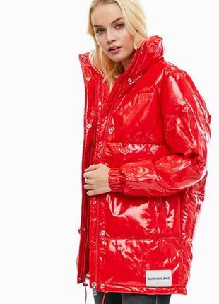 Куртка красная calvin klein jeans оригинал виниловая лаковая д...