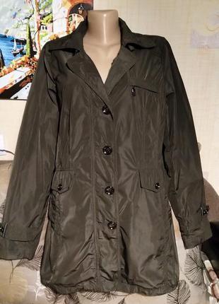 Шелковистая легкая куртка на осень