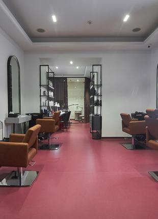 Окрашивание волос в салоне красоты PIED-DE-POULE