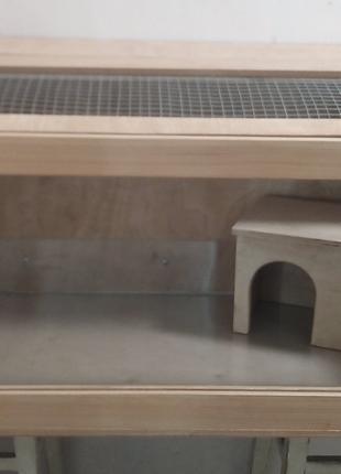 Витрина, стеллаж, клетка, вольер для небольших домашних животных