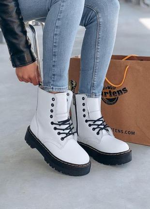 Ботинки на платформе dr martens белого цвета кожаные (36-40)💜