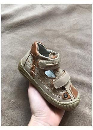 Новые детские сандали, босоножки натуральная кожа