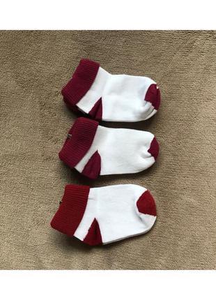 Новые маленькие носки, носочки на малыша