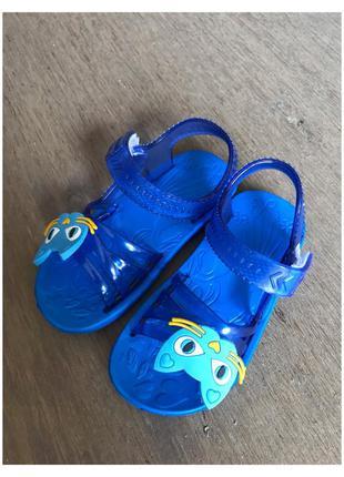 Новые детские синие босоножки, шлепки
