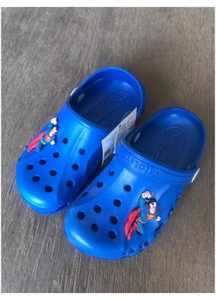 Новые детские кроксы с суперменом , тапочки, шлепки
