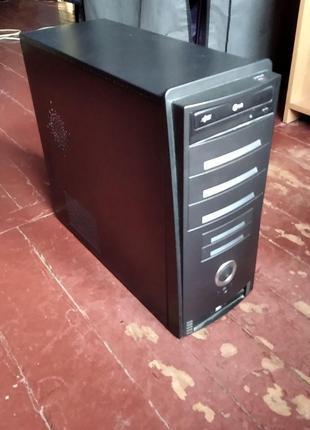 Продаю компьютер средней комплектации