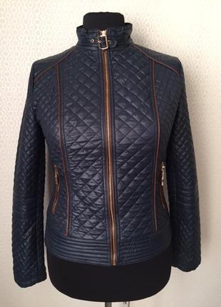 Красивая темно синяя стёганная куртка с красивой подкладкой, р...