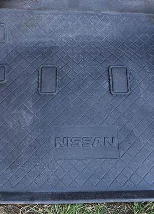 Оригинальный коврик в багажник Nissan Patrol