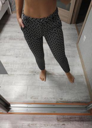 Крутые плотные брюки штаны в принт высокая посадка
