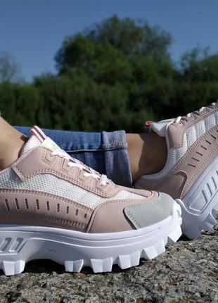 Стильні демі кросівки, модний колір!!!розміри 37-39