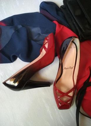 Лакированные кожаные туфли босоножки Marco Rizzi