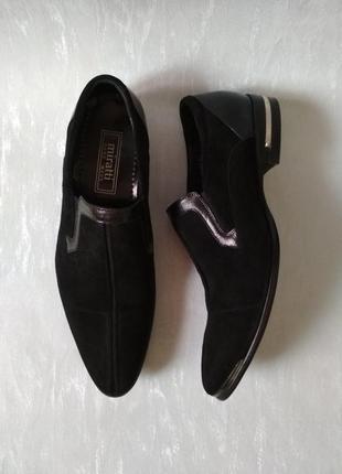 Мужские кожаные черные туфли бренда Miratti Hand Made