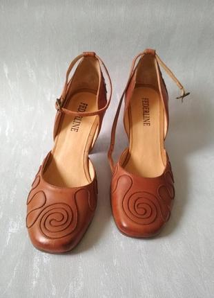 Новые кожаные туфли на устойчивом каблуке Federline