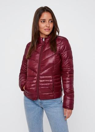 Красивая стеганая куртка деми Vero Moda