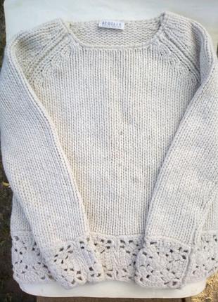 Продам женский шерстяной свитер.