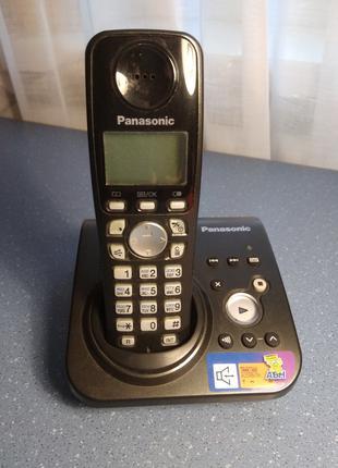 Цифровой беспроводной телефон Panasonic KX-TG7227UA с автоответчи