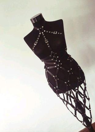 Набор (портупея, пояс, юбка)