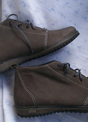 Женский ботинок из натуральной кожи
