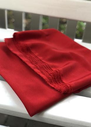 Винтажный отрез красной ткани из мокрого шелка