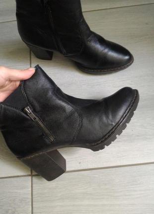 Удобные ботиночки на каблуке Rieker