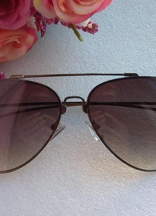 Новые стильные очки авиаторы (с мелкой царапиной)