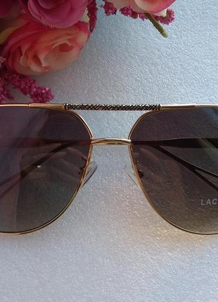 Новые стильные очки авиаторы (с мелкими царапинками на стекле)...