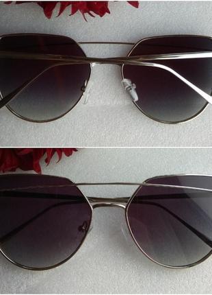 Новые стильные очки, серые