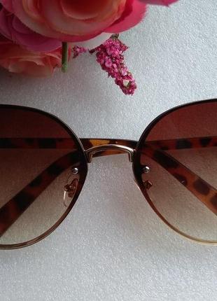 Новые крутые очки бабочки (царапки на стекле) уценены