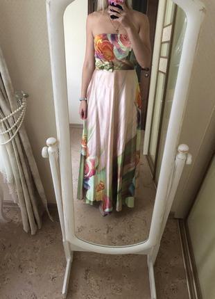 Атласное сатиновое платье с цветами в пол вечернее с вышивкой ...