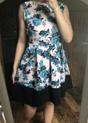 Платье плотное а-силует трапецич белое с голубыми цветами коро...