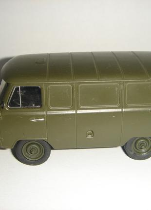 Машинка металлическая УАЗ – 451М. 1:43