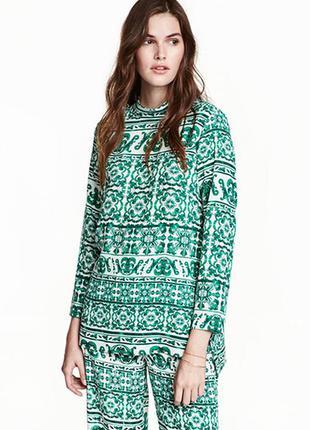 Оригинальная блузка с воротником стойкой от бренда h&m разм. 34